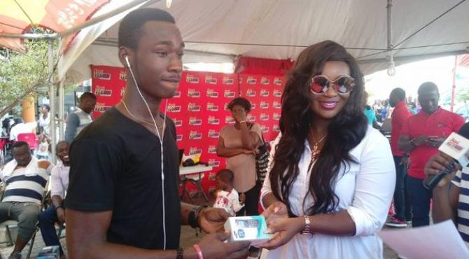 Photos: Patrons thrilled at the 2016 'Joy FM at the mall' event