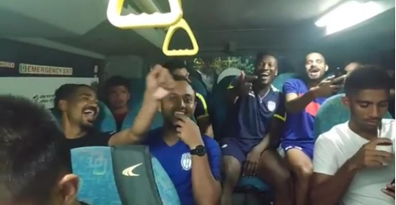 Asamoah Gyan Entertains New NorthEast United FC Teammates With Indian Raps
