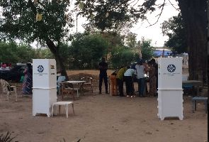 LIVESTREAMING: Ghanaians go to the polls