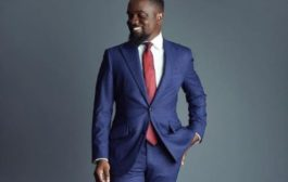 Sarkodie Shares Excitement After Receiving A Gift From Fan