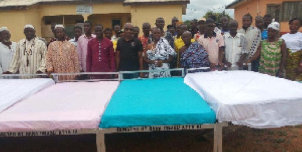 Kparekpare Chief Give Beds, Others To CHPS Compound In Krachi East